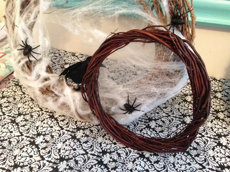 Creepy Cobweb Halloween Wreath 11