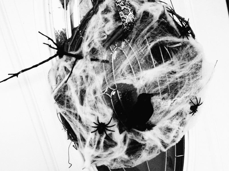 Creepy Cobweb Halloween Wreath 2
