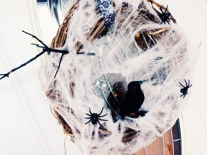 Creepy Cobweb Halloween Wreath 3