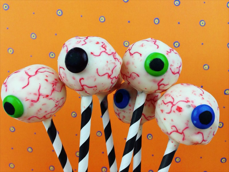 Cake Pops Halloween Eyeballs