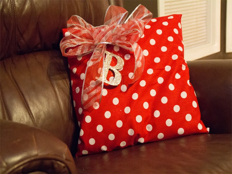 Christmas Present Pillows 11