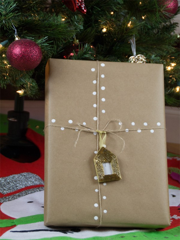 Christmas gift wrapping ideas using kraft paper southern couture christmas gift wrapping ideas using kraft paper 10 negle Images
