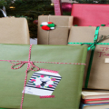 Christmas Gift Wrapping Ideas Using Kraft Paper Featured Image