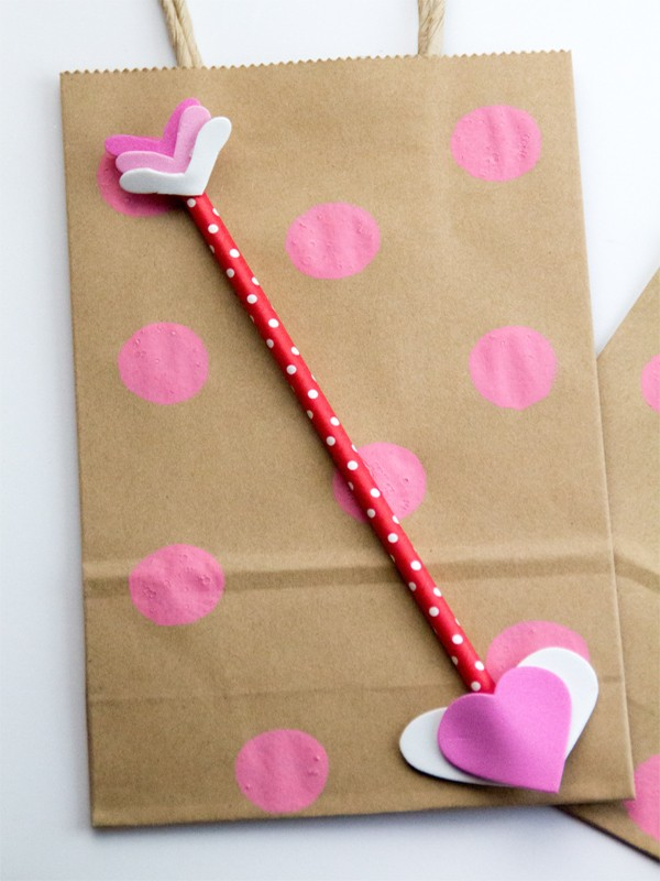 decorate your own valentines gift bags 9