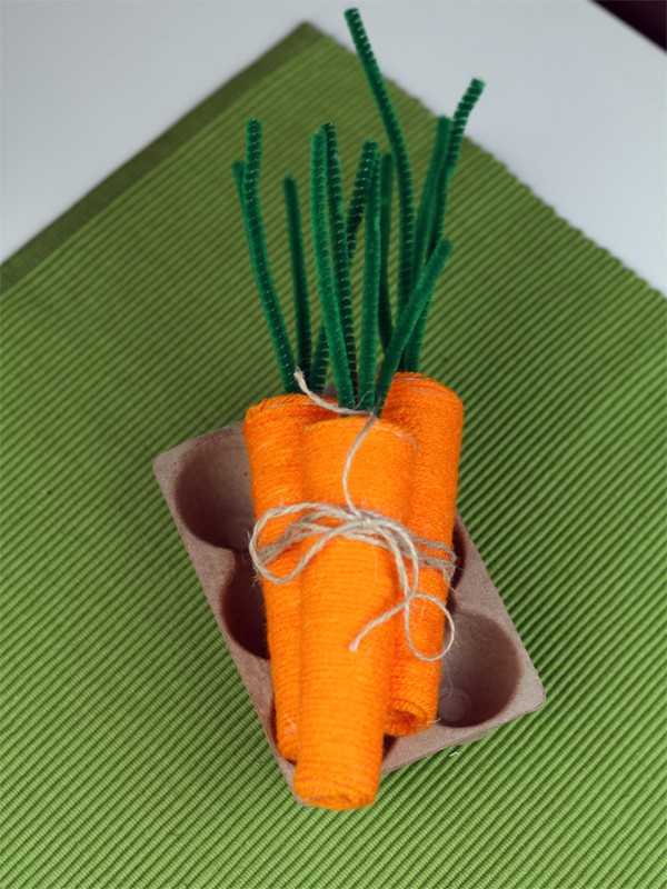 DIY Yarn Carrot Trio