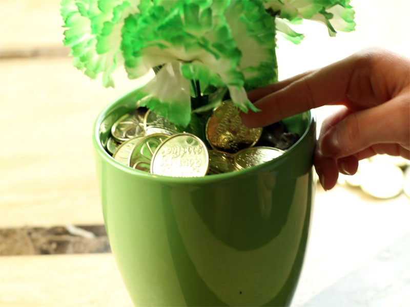Easy And Inexpensive St Patricks Day Centerpiece