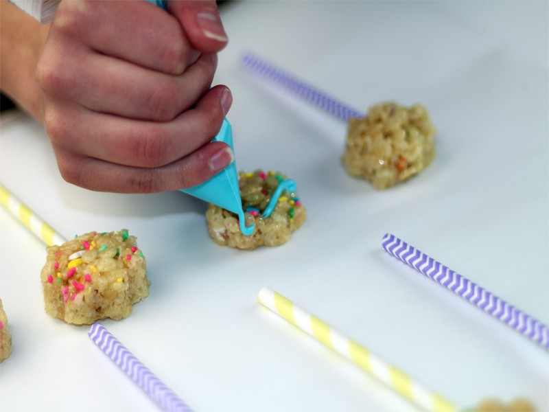 Spring Rice Krispy Treat Pops