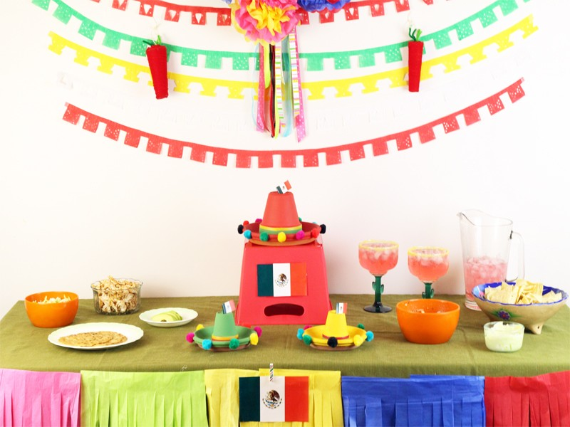 Cinco de Mayo Party {DIY Decorations and Recipes}