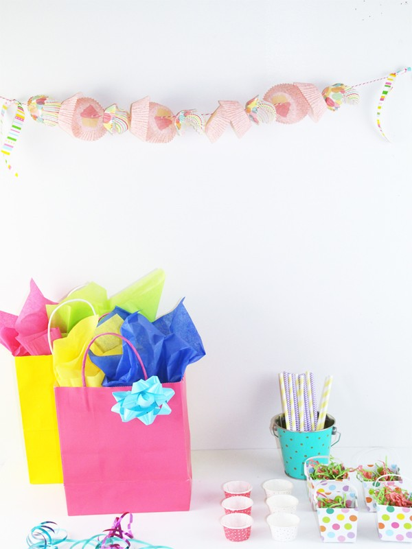 Simple and Quick Party Garland Using Cupcake Liners from thesoutherncouture.com