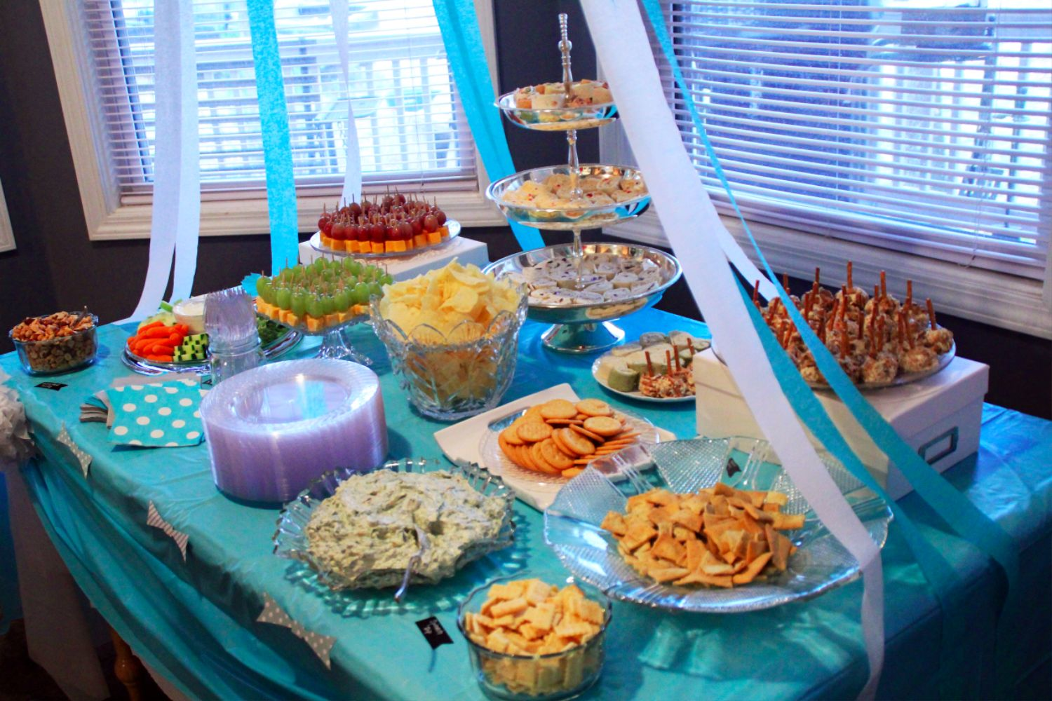 Baby shower decoration ideas southern couture for Baby shower party decoration ideas