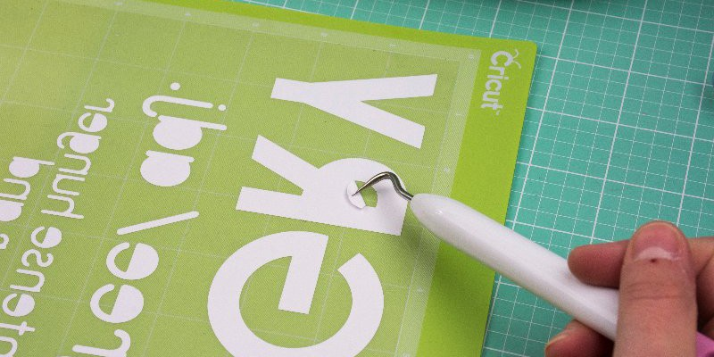 How to Use Iron-On Vinyl with Cricut Explore Air 2