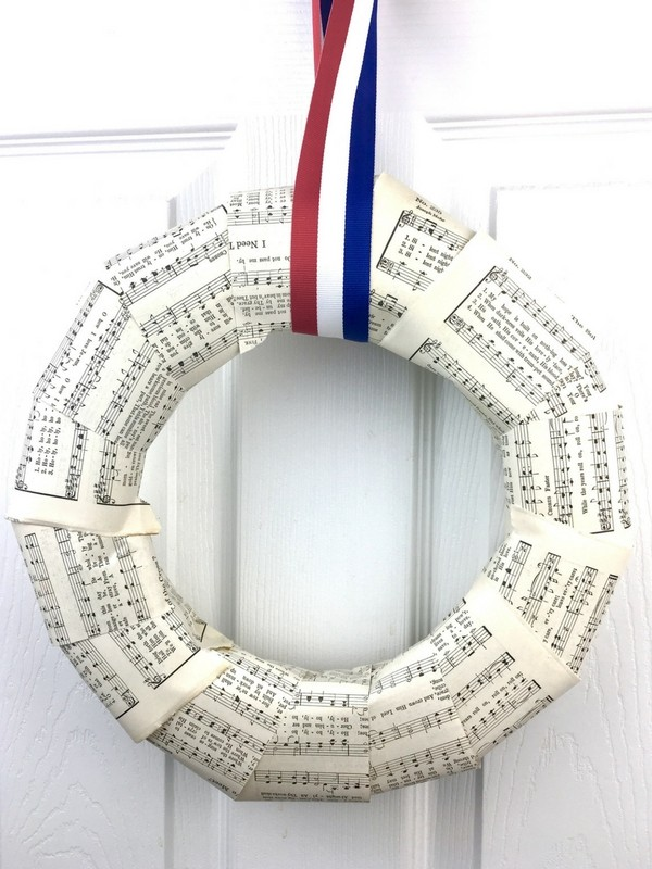 Patriotic Wreath Tutorial Using Old Hymnal Pages